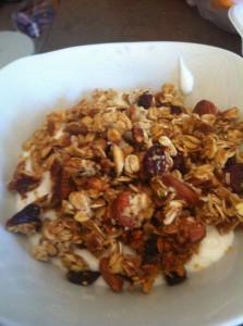 Granola_yogurt